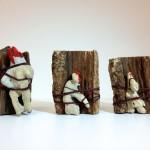 Conjunto Sin título. 2014. Coral, cuerda, lacre y madera. Dimensiones variables